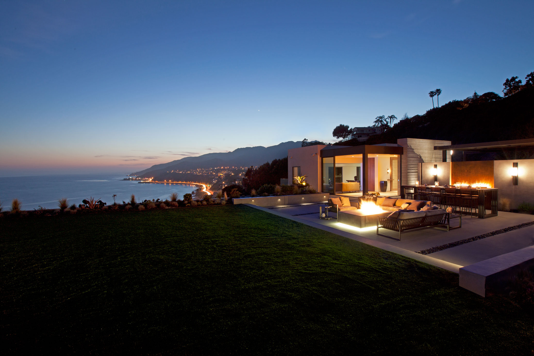 modern-architecture-residential-remodel-indoor-outdoor-inspirational-view-shubindonaldson-revello-residence-2