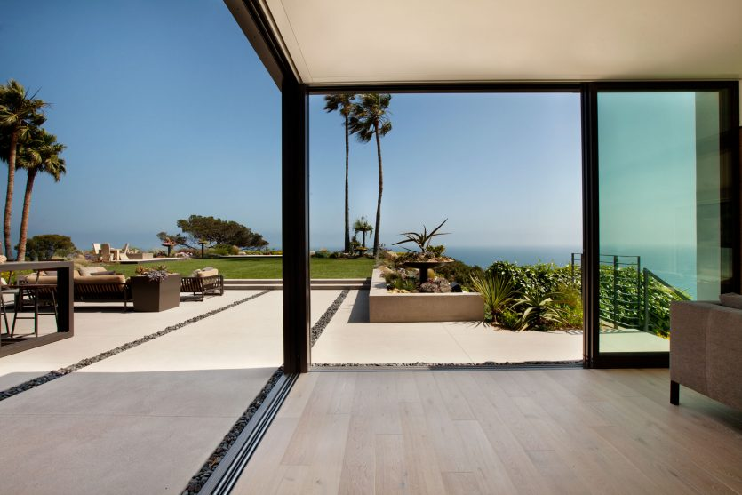 modern-architecture-residential-remodel-indoor-outdoor-inspirational-view-shubindonaldson-revello-residence-3