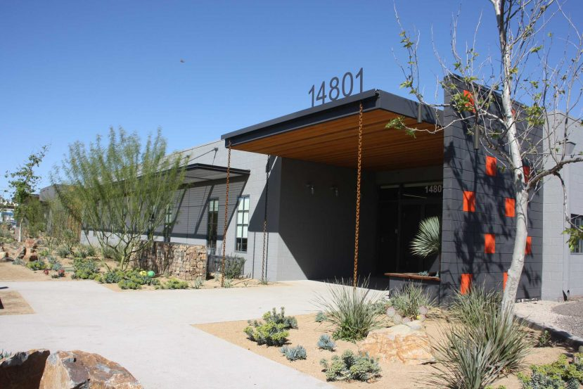 modern-architecture-commercial-building-worsplace-sustainable-adaptive-california-shubindonaldson-ranch-01