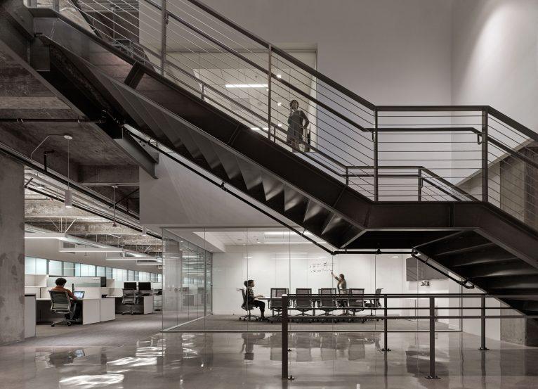 modern-architecture-commercial-interiors-workplace-office-custom-fabrication-california-shubindonaldson-cim-headquarters-03