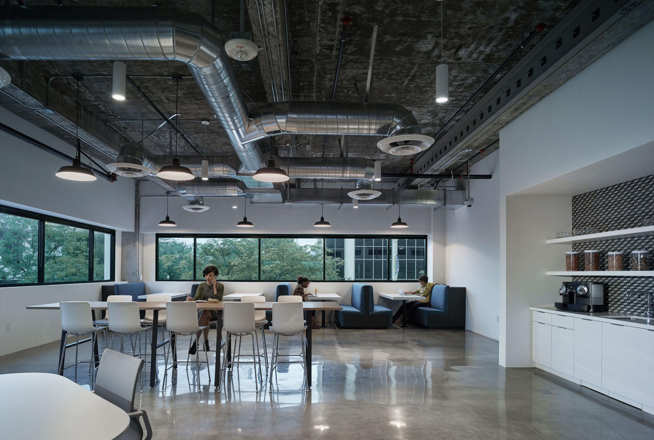 modern-architecture-commercial-interiors-workplace-office-custom-fabrication-california-shubindonaldson-cim-headquarters-05