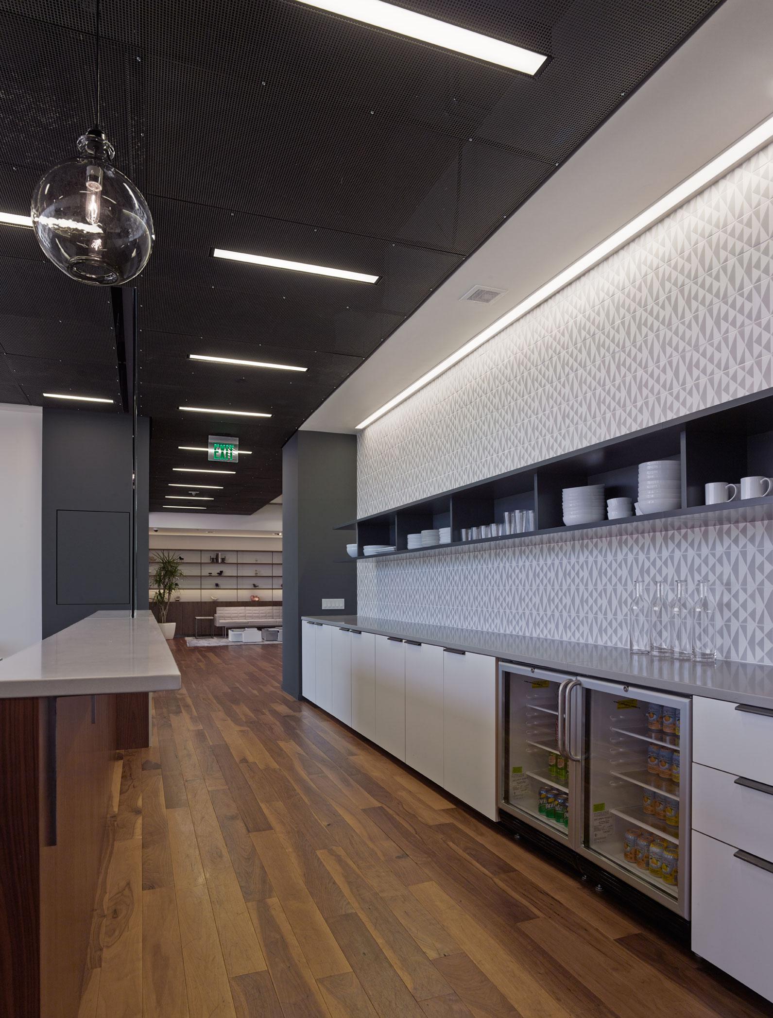 Freemark financial shubin donaldson for Commercial furniture interiors