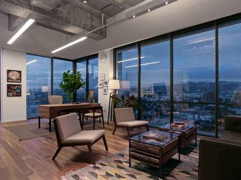 modern-architecture-commercial-interiors-workplace-office-custom-fabrication-california-shubindonaldson-freemark-financial-08