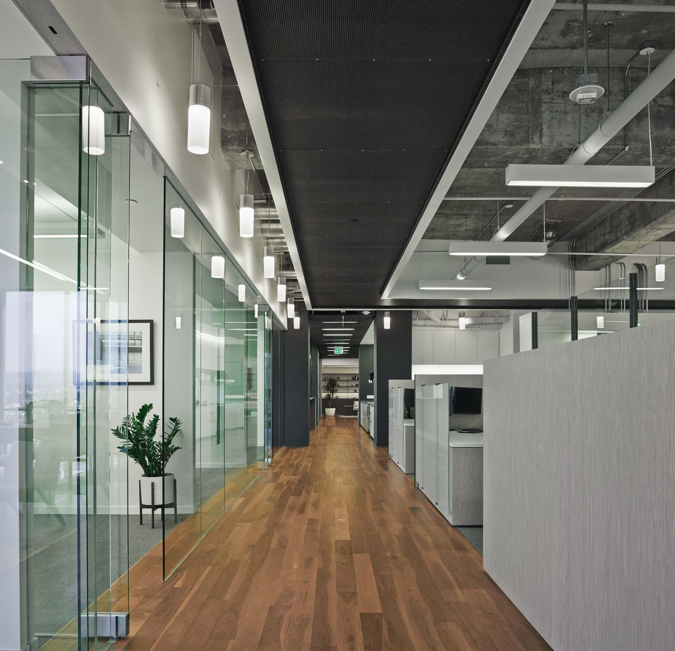 modern-architecture-commercial-interiors-workplace-office-custom-fabrication-california-shubindonaldson-freemark-financial-09