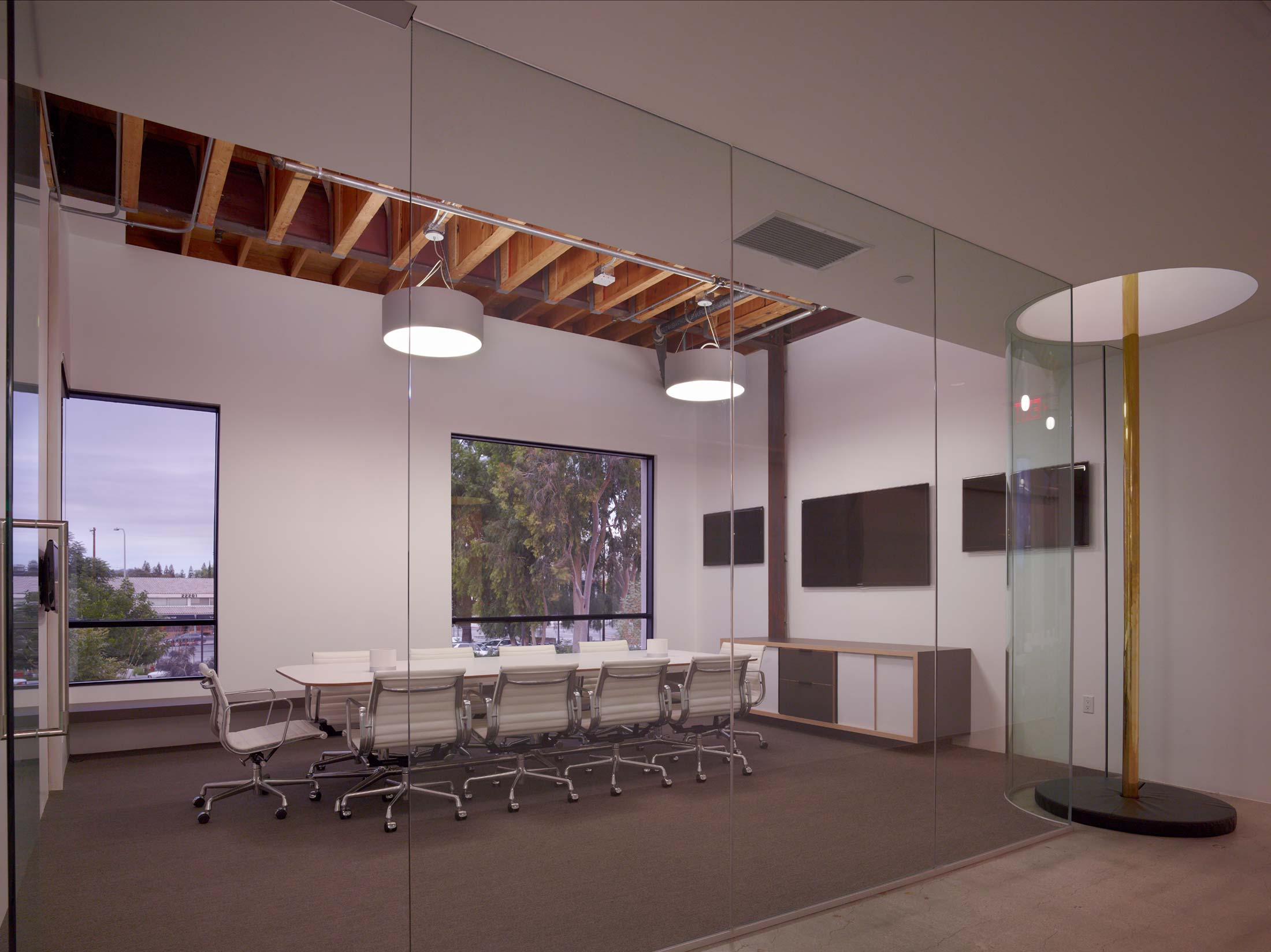 modern-architecture-commercial-interiors-workplace-office-custom-fabrication-sustainable-california-shubindonaldson-sierra-pacific-construction-02
