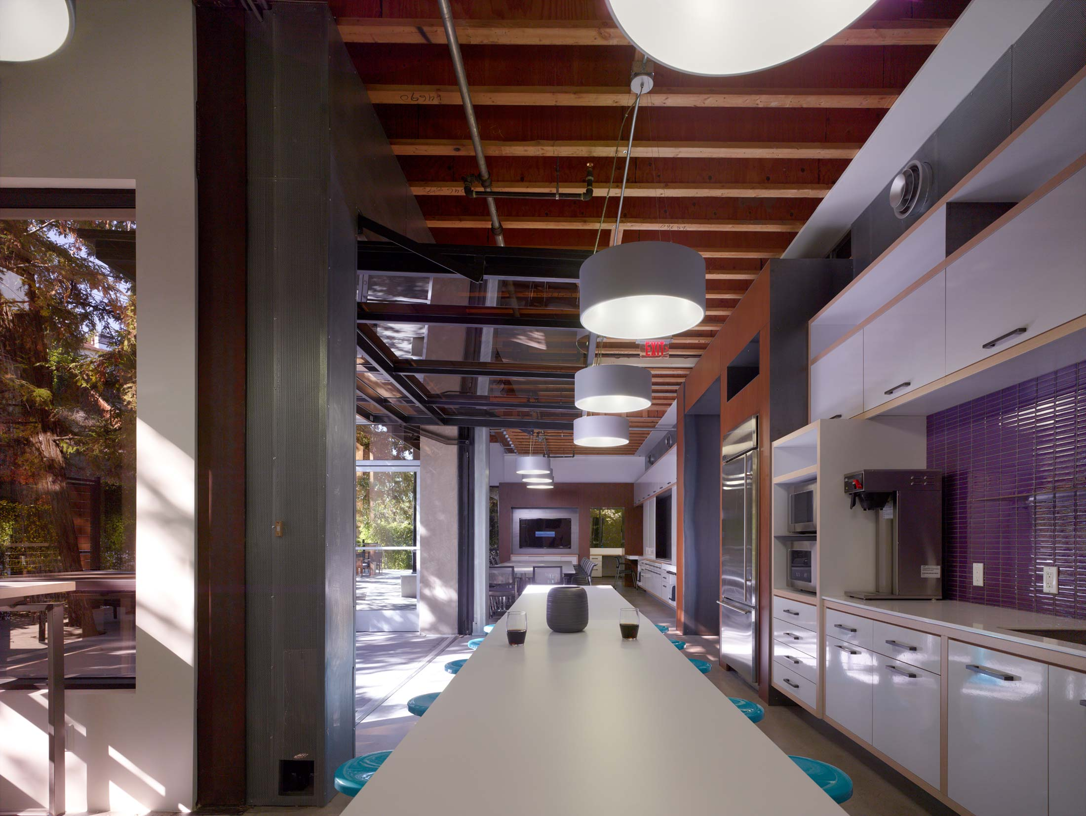 modern-architecture-commercial-interiors-workplace-office-custom-fabrication-sustainable-california-shubindonaldson-sierra-pacific-construction-10