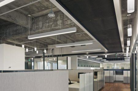 modern-architecture-commercial-interiors-workplace-office-custom-workstation-california-shubindonaldson-freemark-financial-02