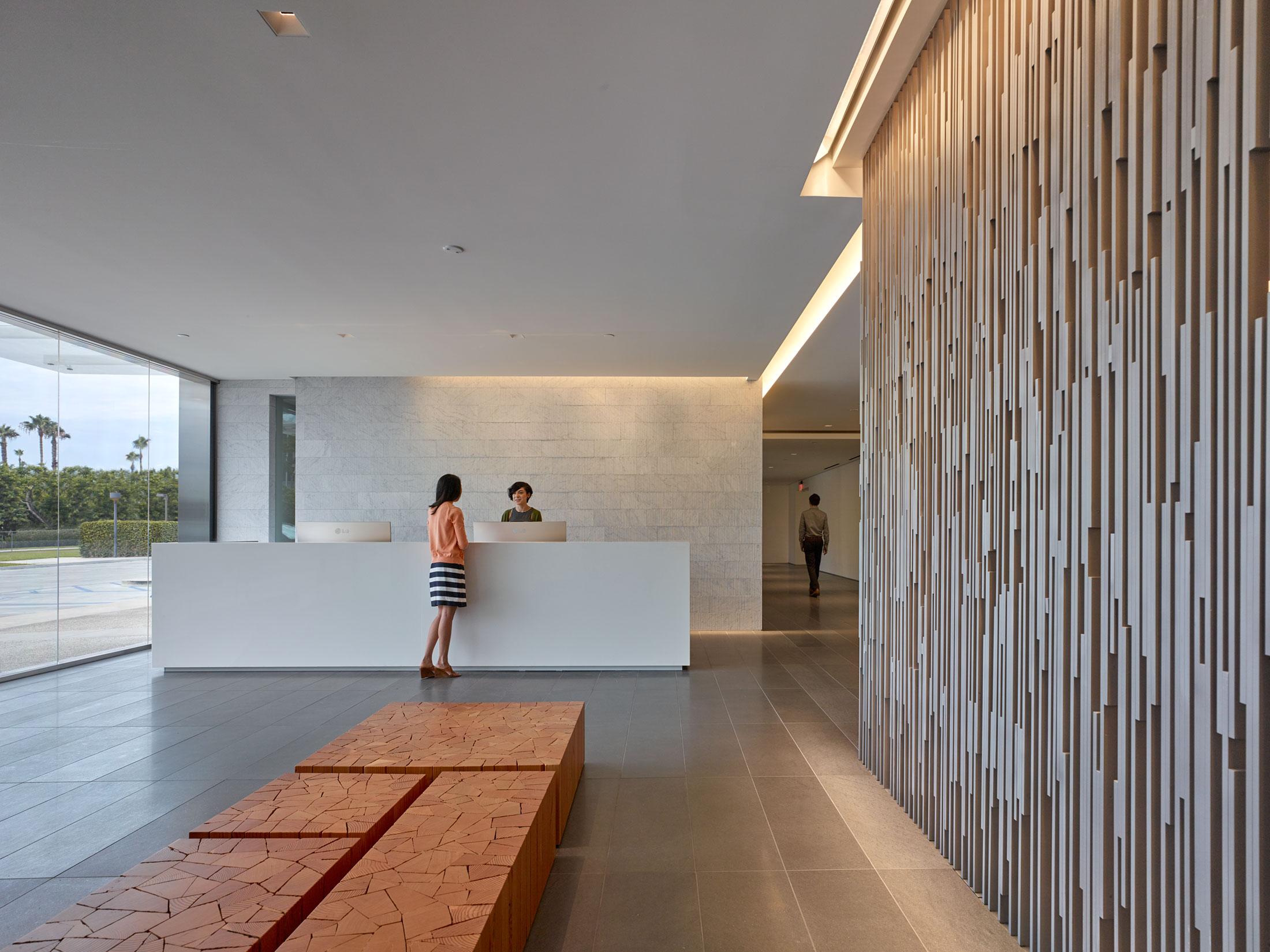 modern-architecture-commercial-interiors-workplace-office-reception-california-shubindonaldson-cim-headquarters-02