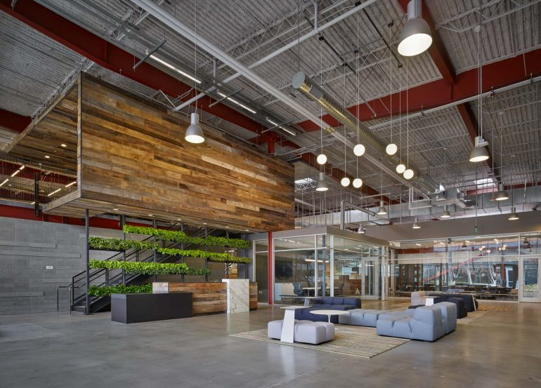 modern-architecture-commercial-interior-adaptive-reuse-workspace-california-shubindonaldson-team-one-usa-01