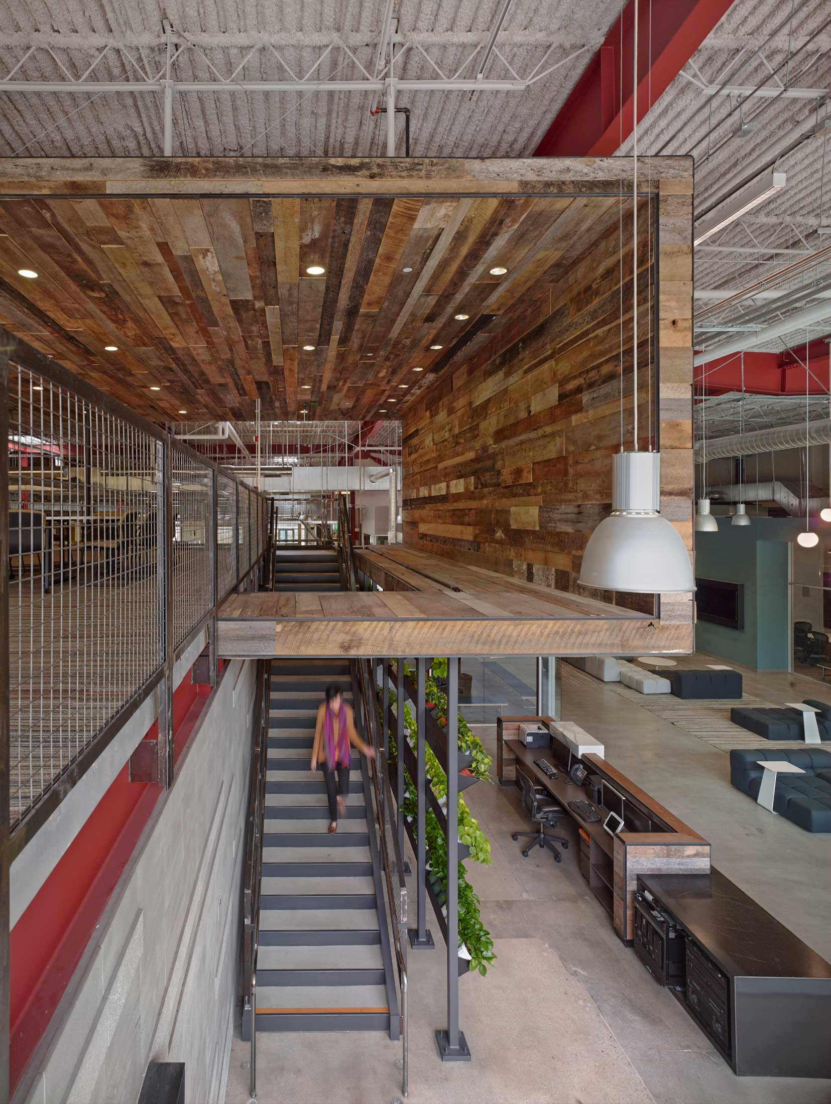 modern-architecture-commercial-interior-adaptive-reuse-workspace-california-shubindonaldson-team-one-usa-03