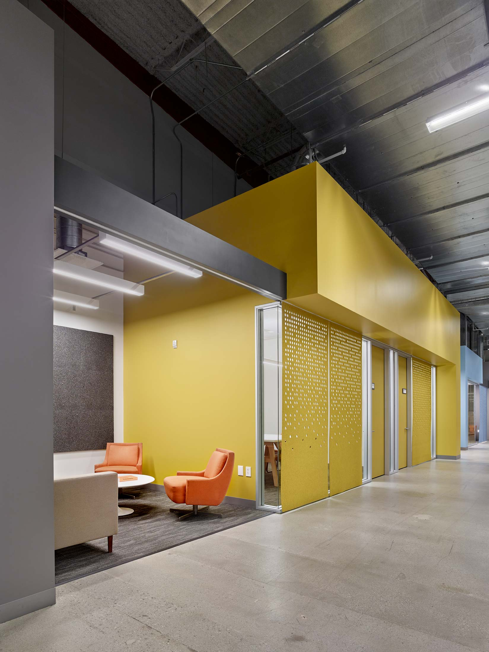 modern-architecture-commercial-interior-adaptive-reuse-workspace-california-shubindonaldson-team-one-usa-05