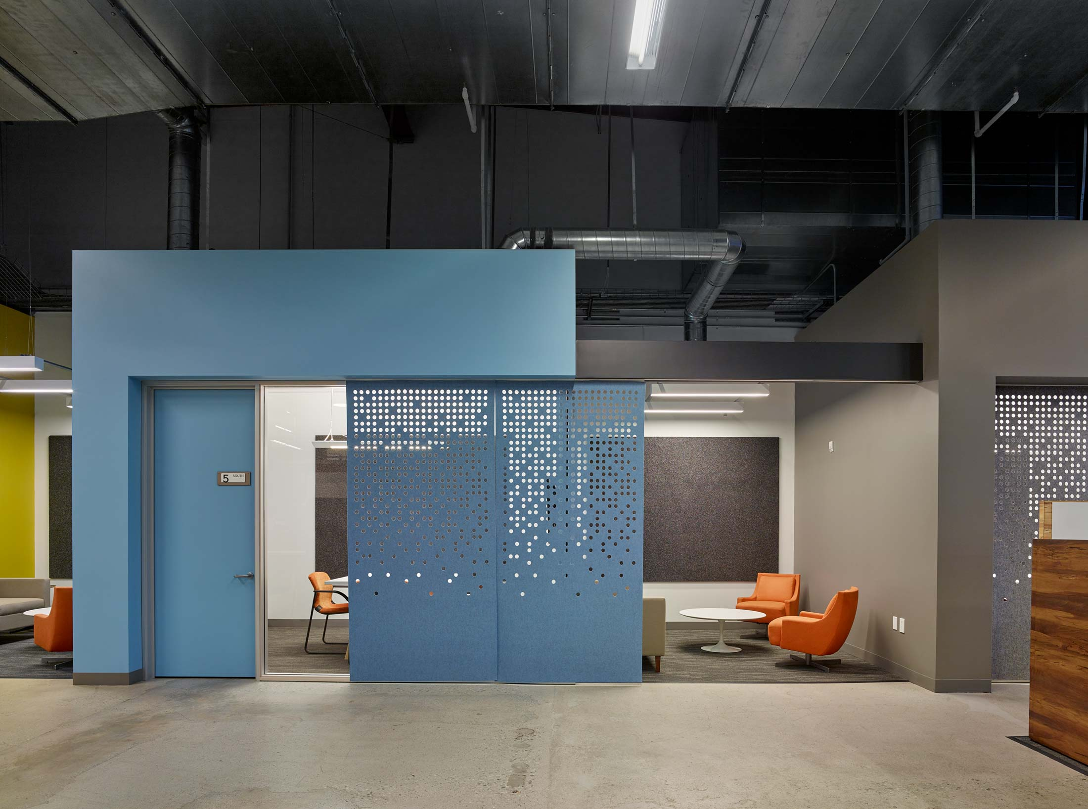 modern-architecture-commercial-interior-adaptive-reuse-workspace-california-shubindonaldson-team-one-usa-07