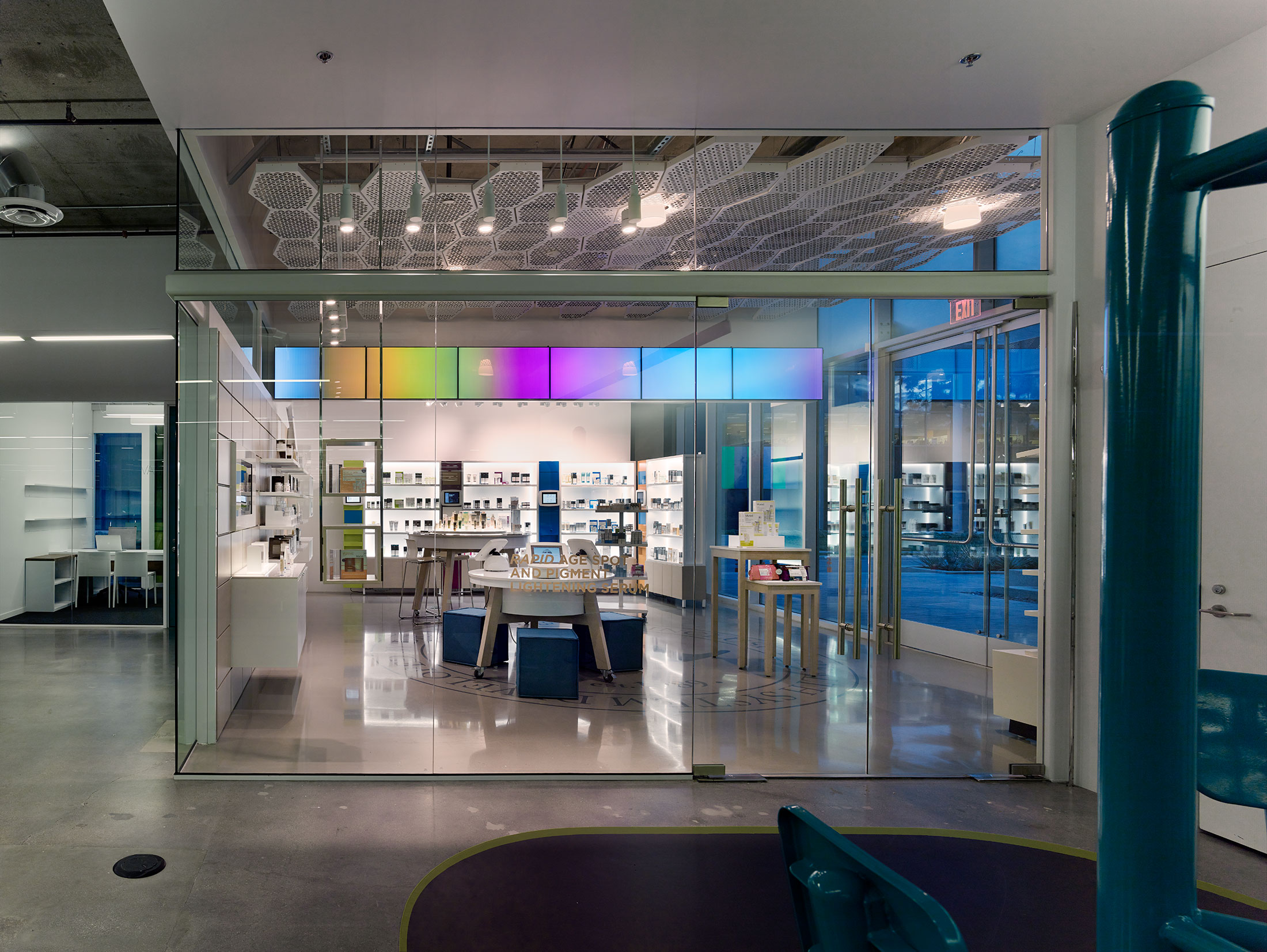 modern-architecture-commercial-interiors-workplace-office-branded-custom-fabrication-california-shubindonaldson-murad-headquarters-03