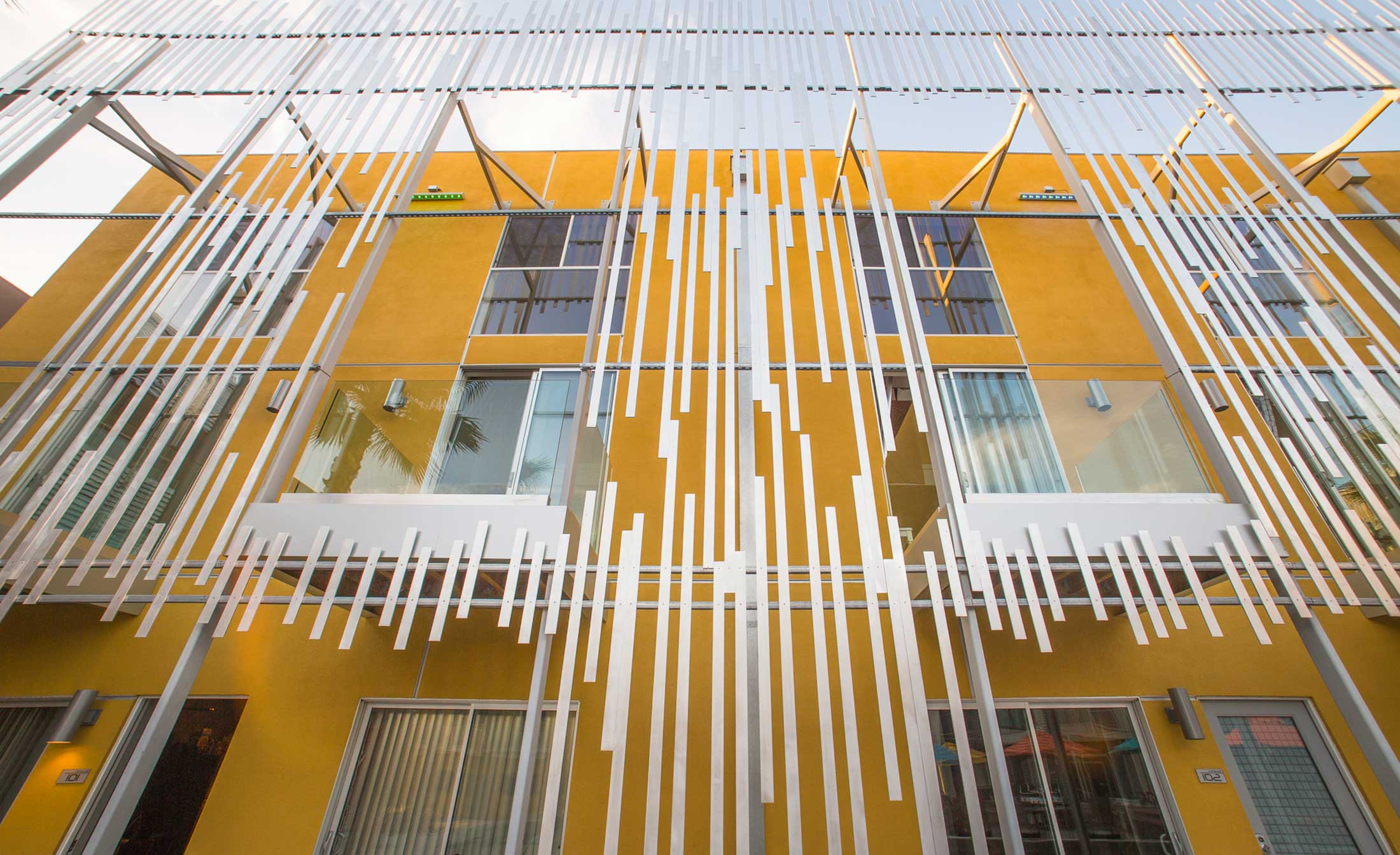 modern-architecture-building-multi-family-sustainable-california-shubindonaldson-ivhousing-08