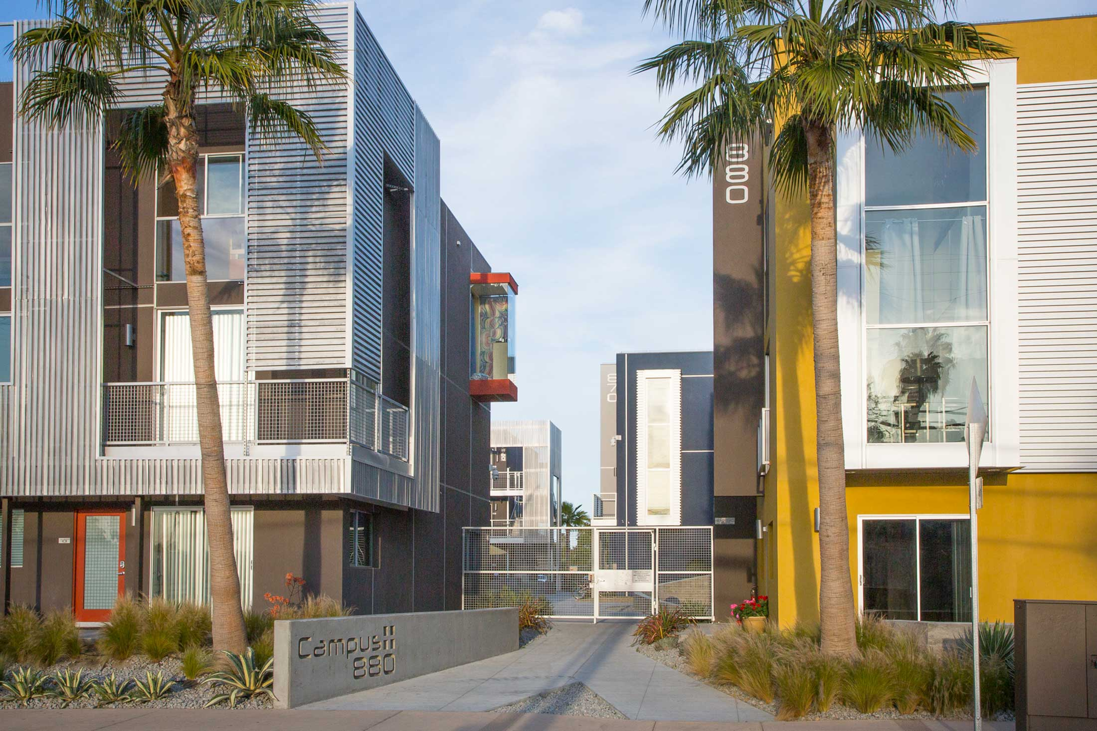 modern-architecture-building-multi-family-sustainable-california-shubindonaldson-ivhousing-09