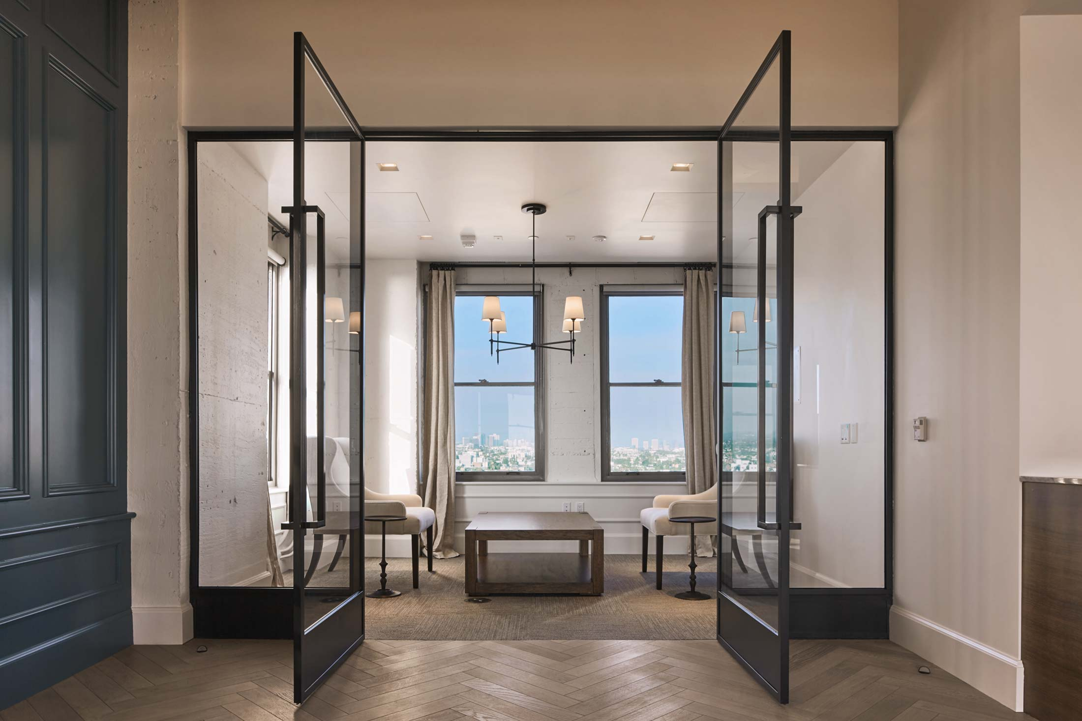 modern-architecture-commercial-interiors-office-california-shubindonaldson-truecar-clocktower-03