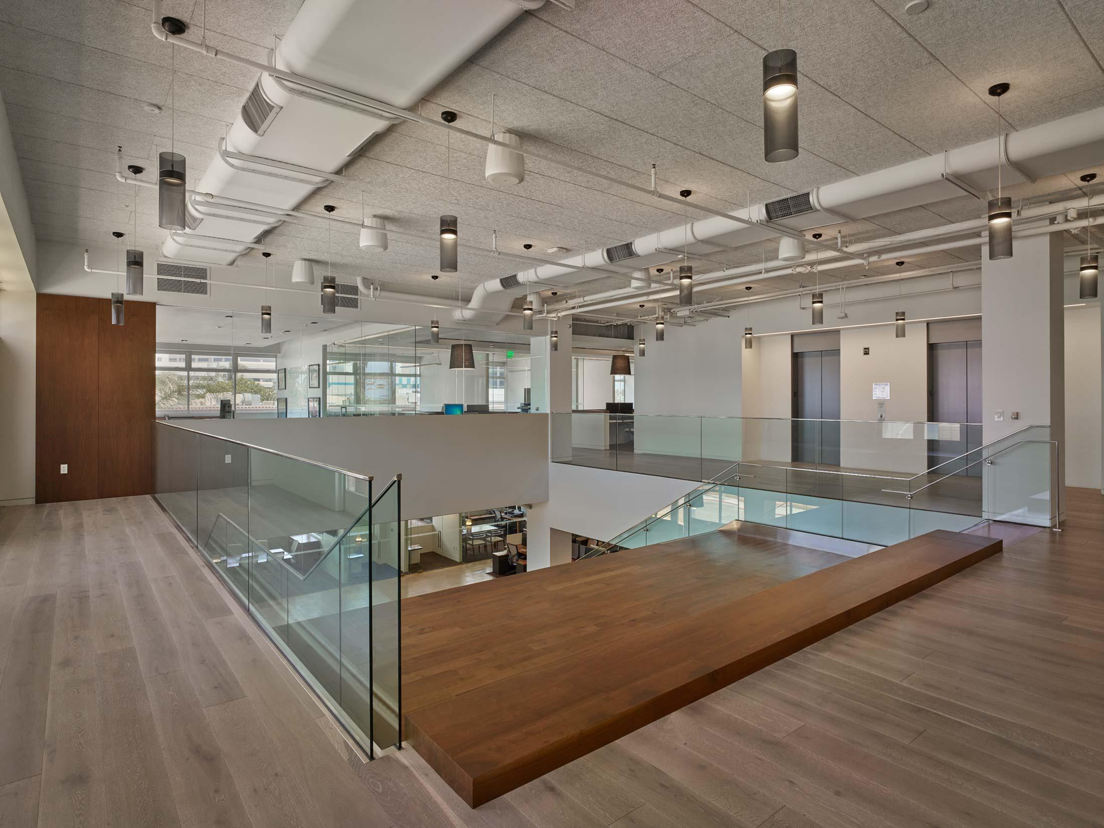 modern-architecture-commercial-interiors-office-california-shubindonaldson-truecar-ocean-01