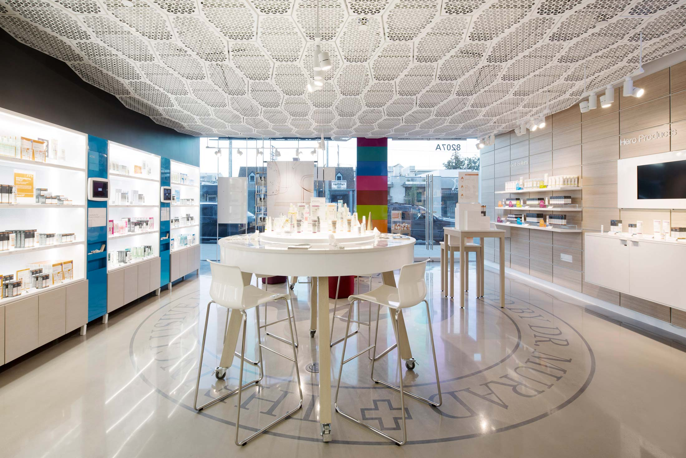modern-architecture-commercial-interiors-retail-branded-custom-fabrication-award-winning-california-shubindonaldson-murad-retail-02