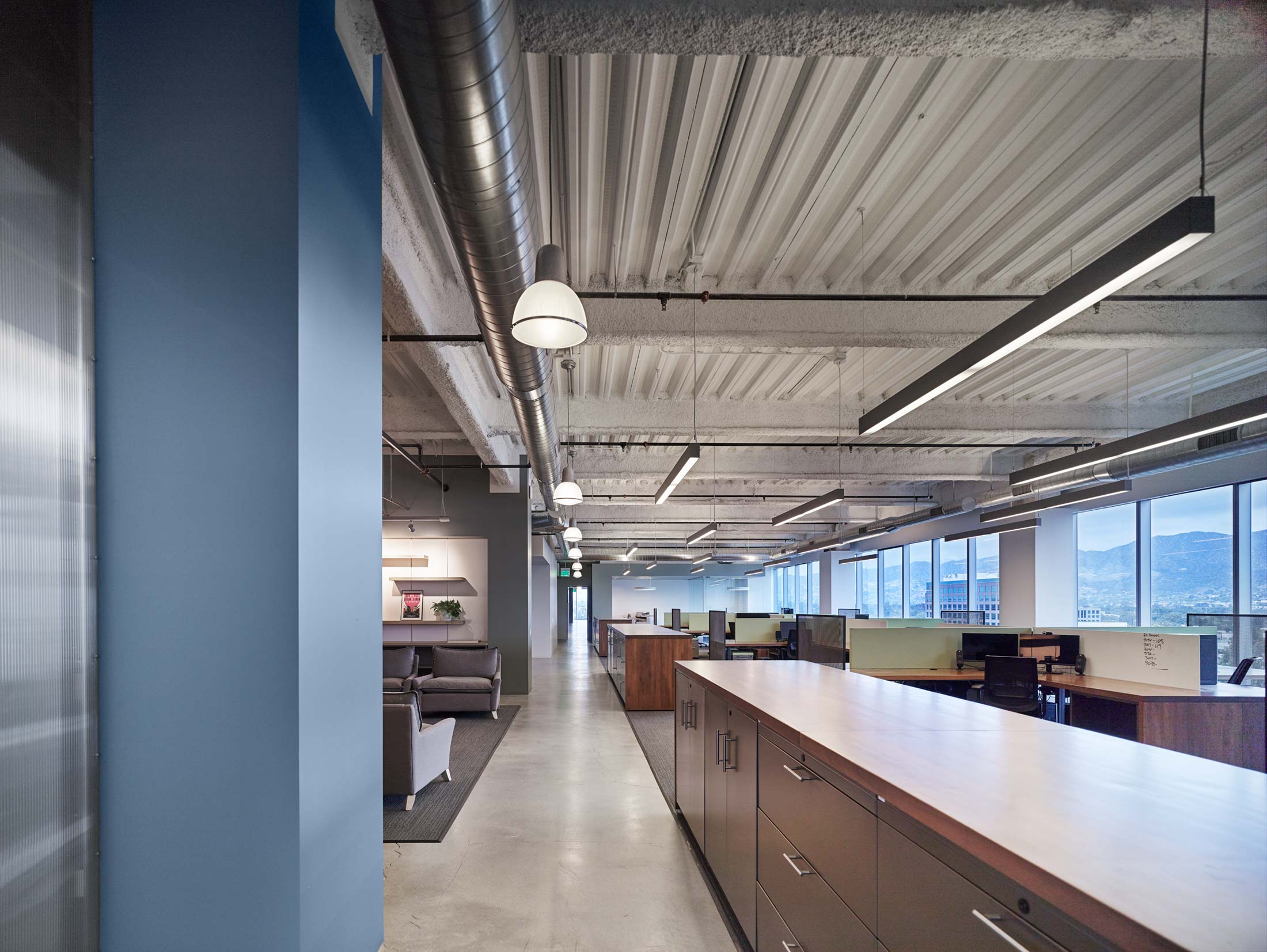 modern-architecture-commercial-interiors-workplace-office-california-shubindonaldson-freemantle-media-03