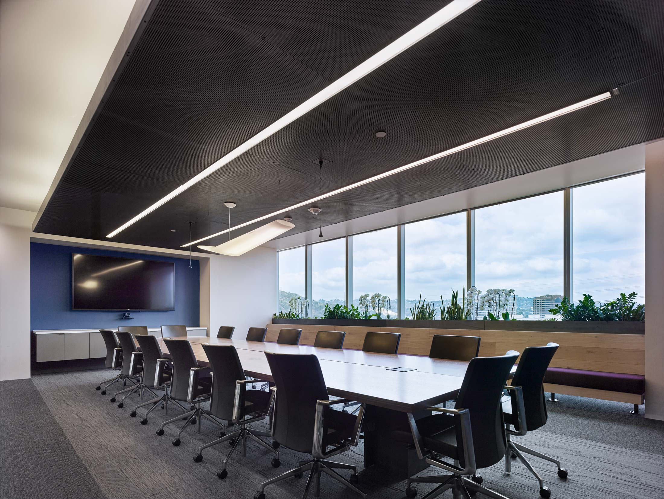modern-architecture-commercial-interiors-workplace-office-california-shubindonaldson-freemantle-media-04