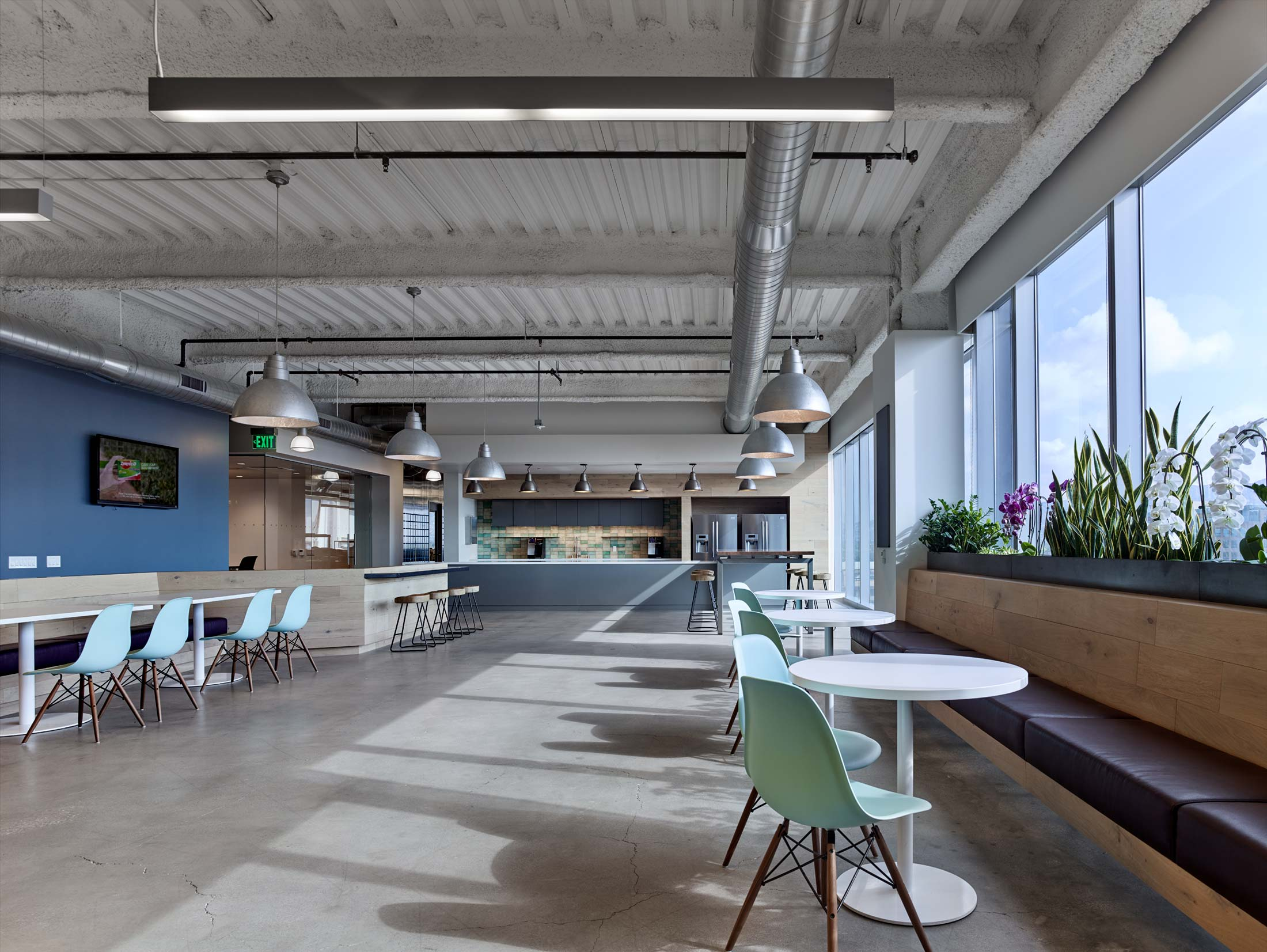 modern-architecture-commercial-interiors-workplace-office-california-shubindonaldson-freemantle-media-05