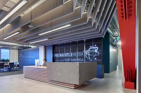 modern-architecture-commercial-interiors-workplace-office-reception-california-shubindonaldson-freemantle-media-01