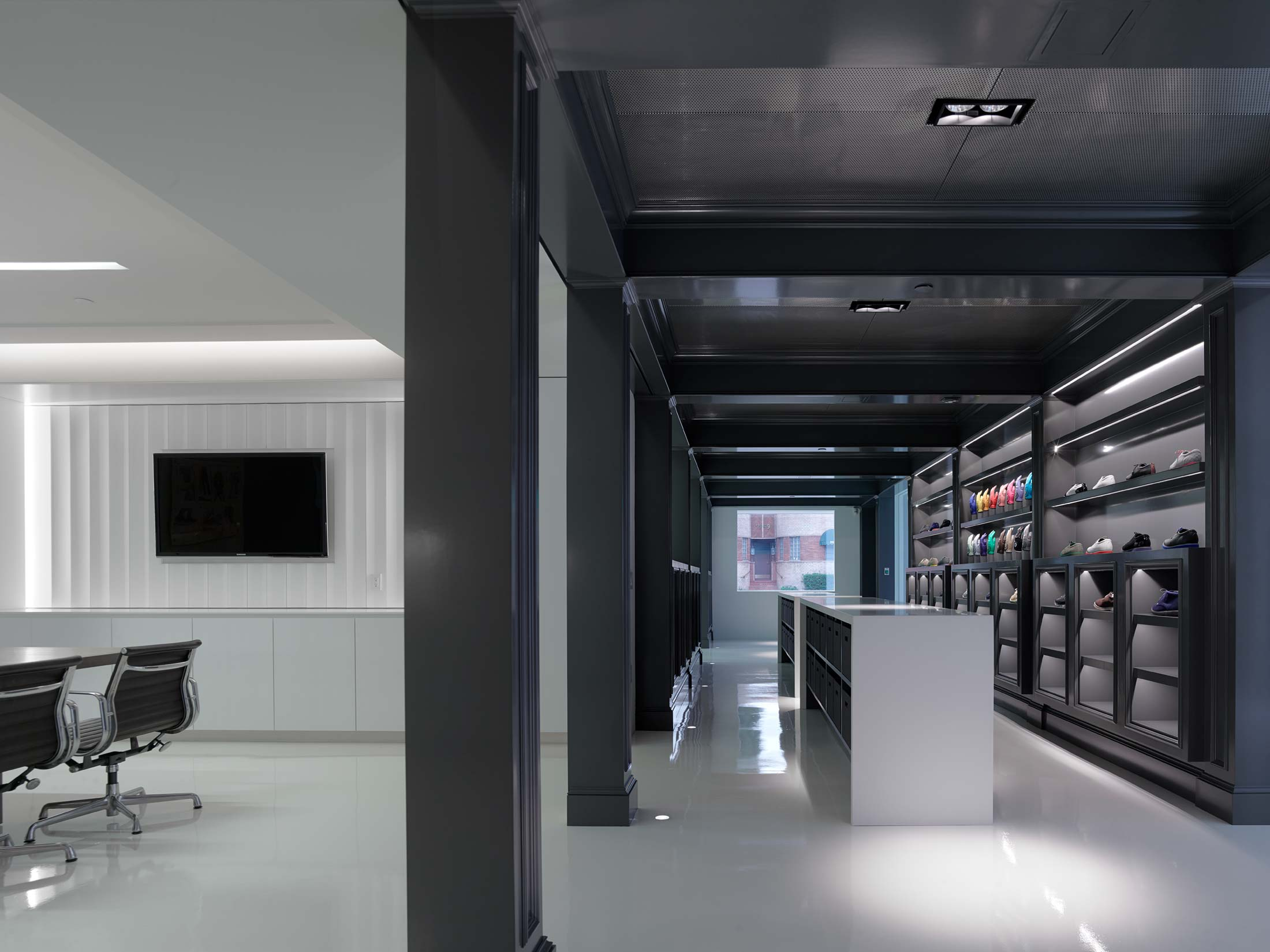 modern-architecture-commercial-interiors-workplace-retail-branded-california-shubindonaldson-gfore-01