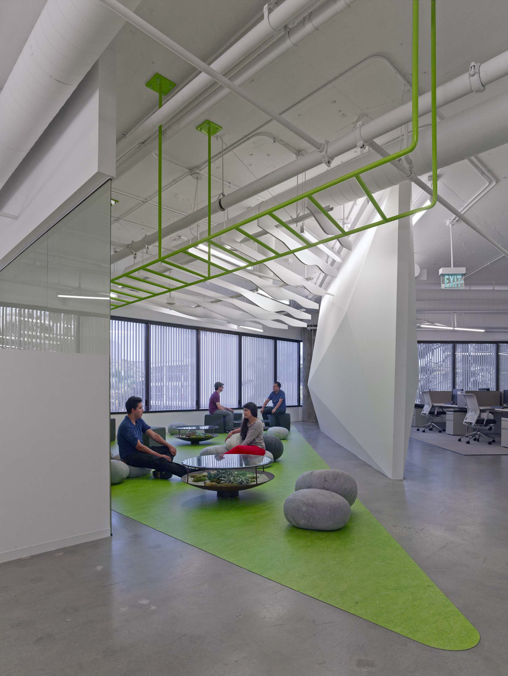 modern-architecture-commercial-interiors-workspace-social-space-california-shubindonaldson-conill-advertising-2