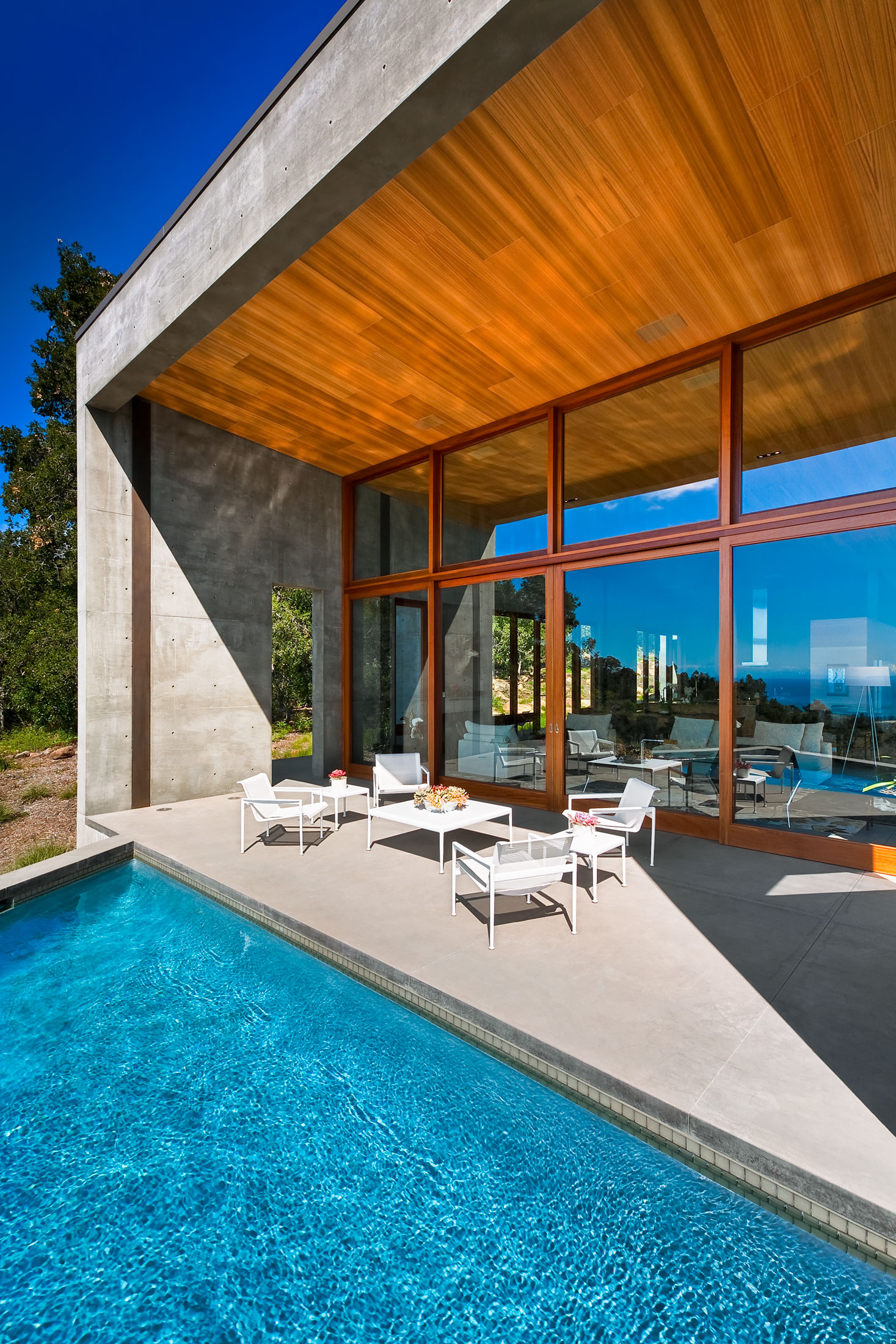 modern-architecture-residential-concrete-wood-pool-indoor-outdoor-california-shubindonaldson-toro-canyon-1