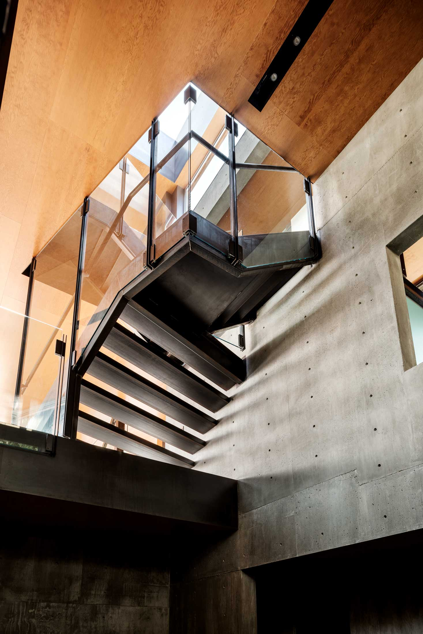 modern-architecture-residential-stairwell-concrete-california-shubindonaldson-skyline-3