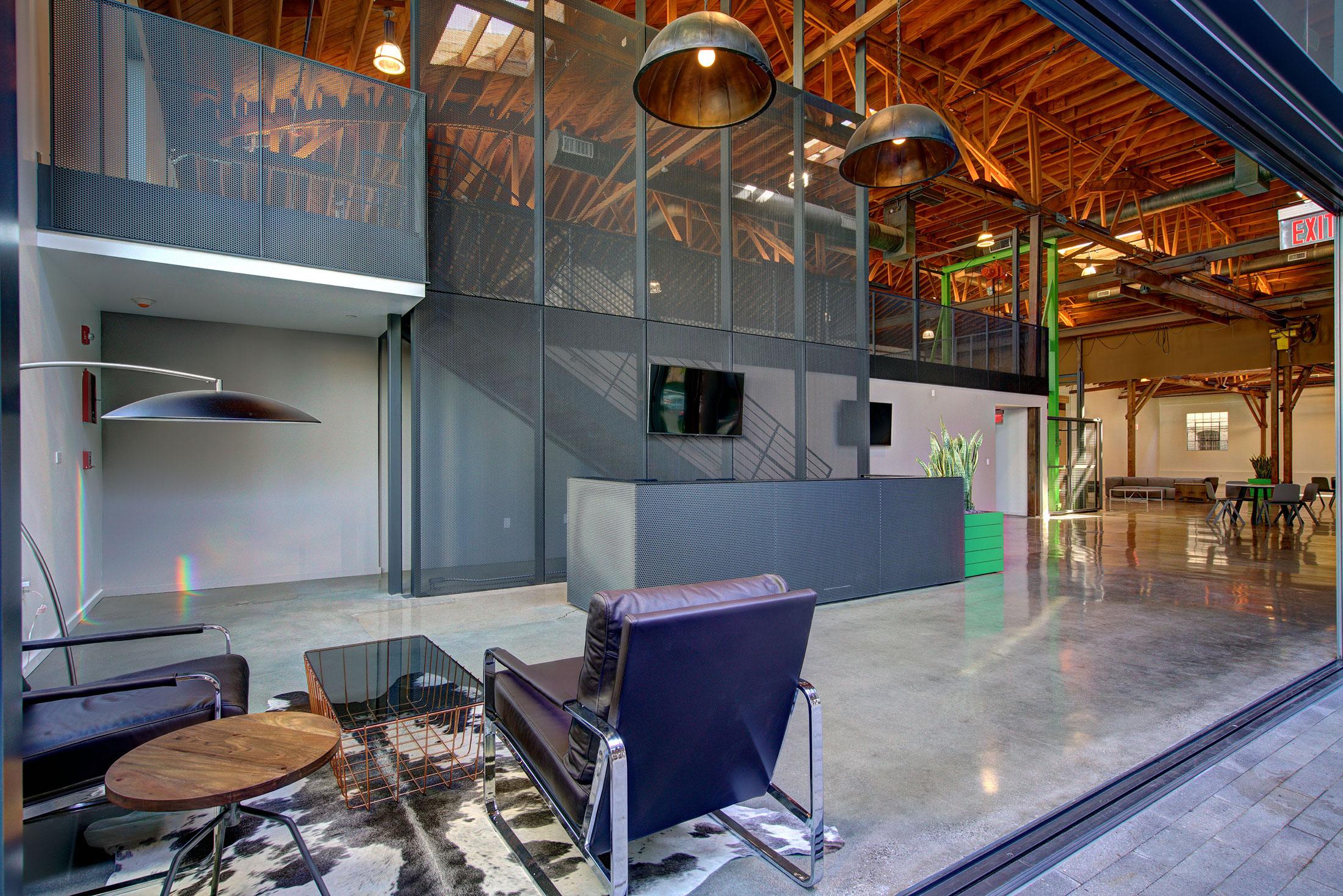 modern-architecture-building-adaptive-reuse-workplace-interior-shubindonaldson-720cahuenga-1