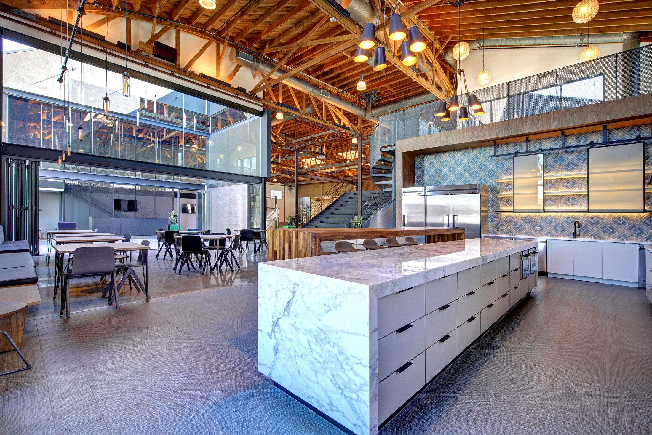modern-architecture-building-adaptive-reuse-workplace-interior-shubindonaldson-720cahuenga-2