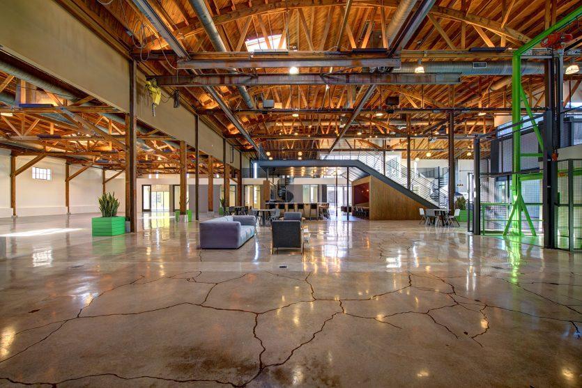 modern-architecture-building-adaptive-reuse-workplace-interior-shubindonaldson-720cahuenga-4
