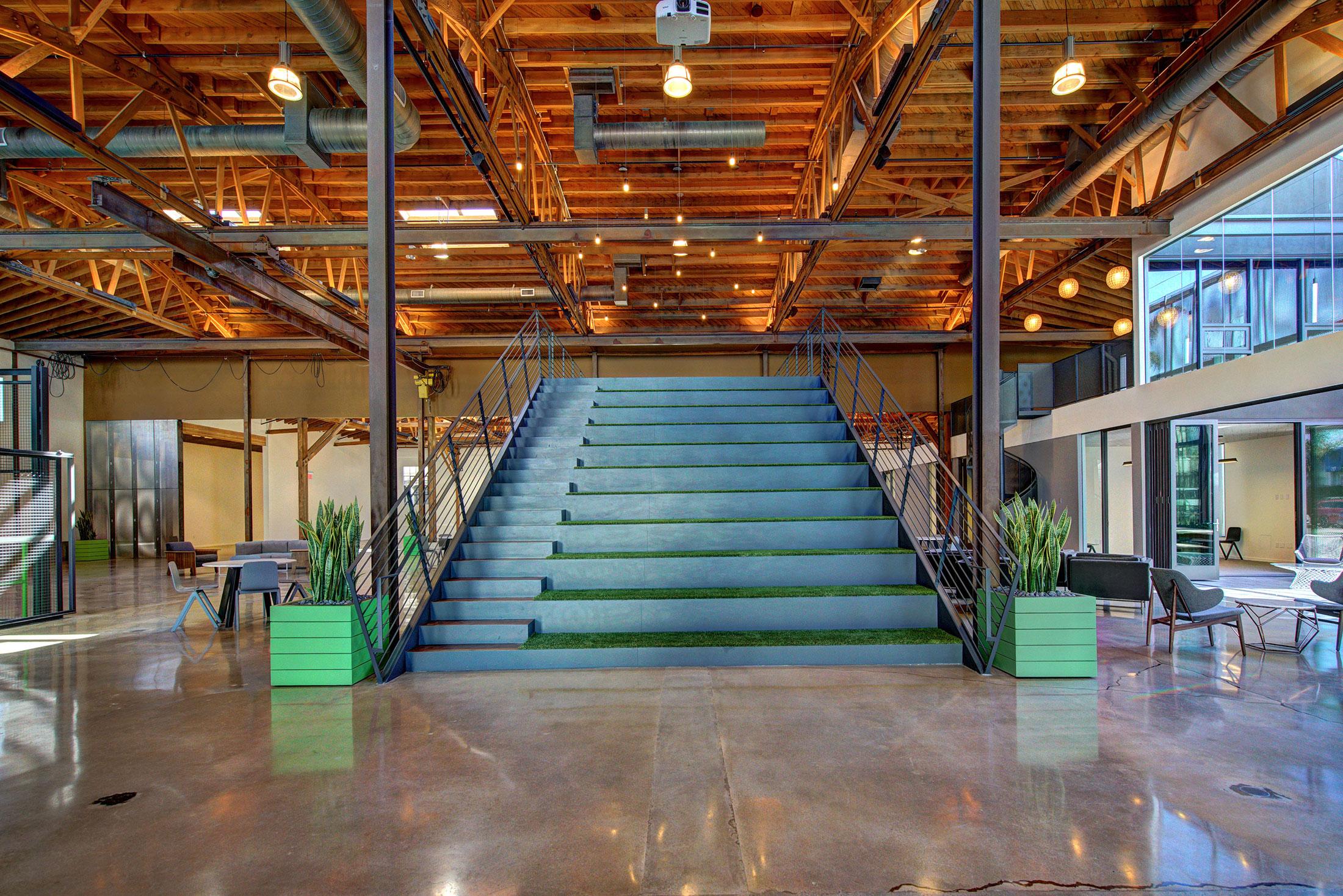 modern-architecture-building-adaptive-reuse-workplace-interior-shubindonaldson-720cahuenga-5