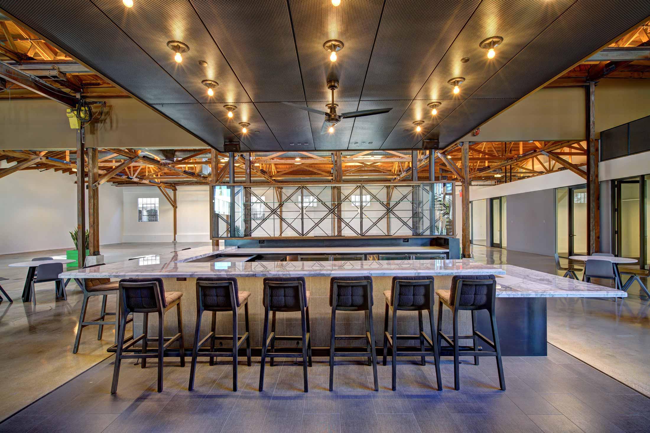 modern-architecture-building-adaptive-reuse-workplace-interior-shubindonaldson-720cahuenga-8