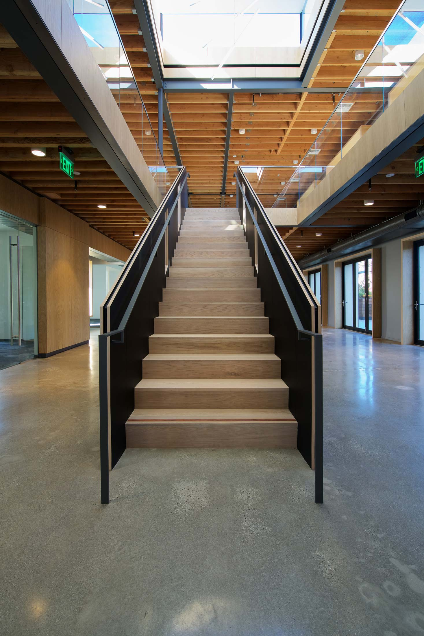 modern-architecture-building-adaptive-reuse-workplace-interior-shubindonaldson-motor-2