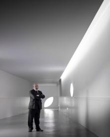 Parabens o seu Arquitecto! Happy 84th birthday Alvaro Siza Viera. Foto: Fernando Guerra #alvarosizaviera #fernandoguerra #ultimasreportagens